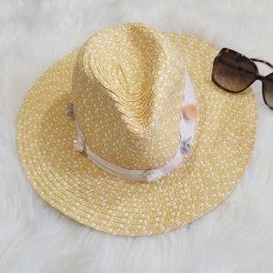 Betsey Johnson beach hat. One Size. NWT